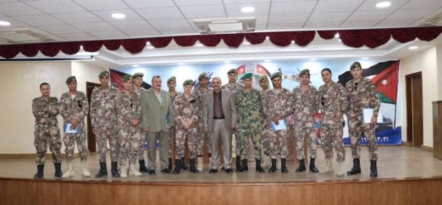 غرفة تجارة الزرقاء تستقبل وفد كلية الأمير الحسين الفنية العسكرية